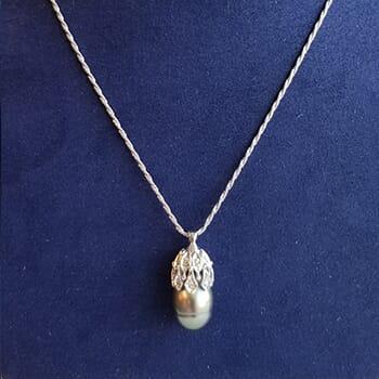 Black Tahitian Pearl & 14k Gold Chain