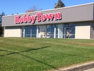 HobbyTown - 2 HOUR Party room Rental and Glo-In -One Mini Golf for 10 people